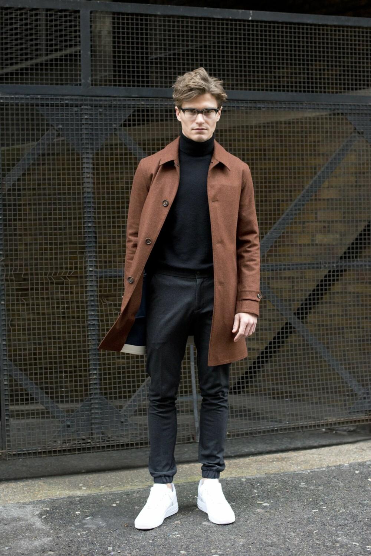 TYNN ULLGENSER: En genser i merinoull kan den brukes hele året og er en god investering.