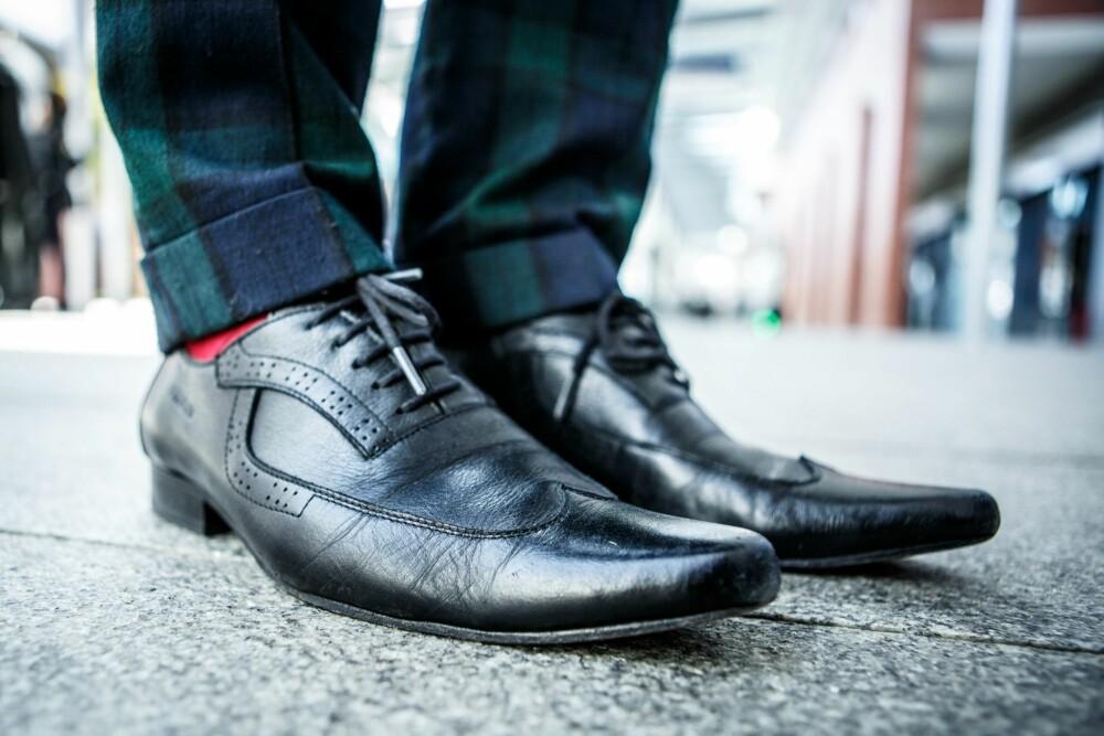 00c243e5 Converse All Star OX Core Canvas sneakers, kr 599. Adidas Originals Seeley  joggesko i fargen surf petrol mesa white, kr 649.
