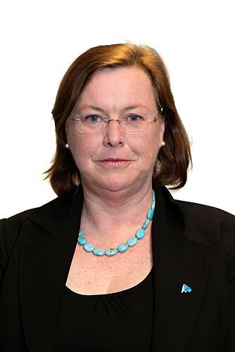TENK DEG OM: Elisabeth Realfsen i Finansportalen mener forbrukerne bør være litt mer kritiske når de velger forsikring. FOTO: Forbrukerrådet