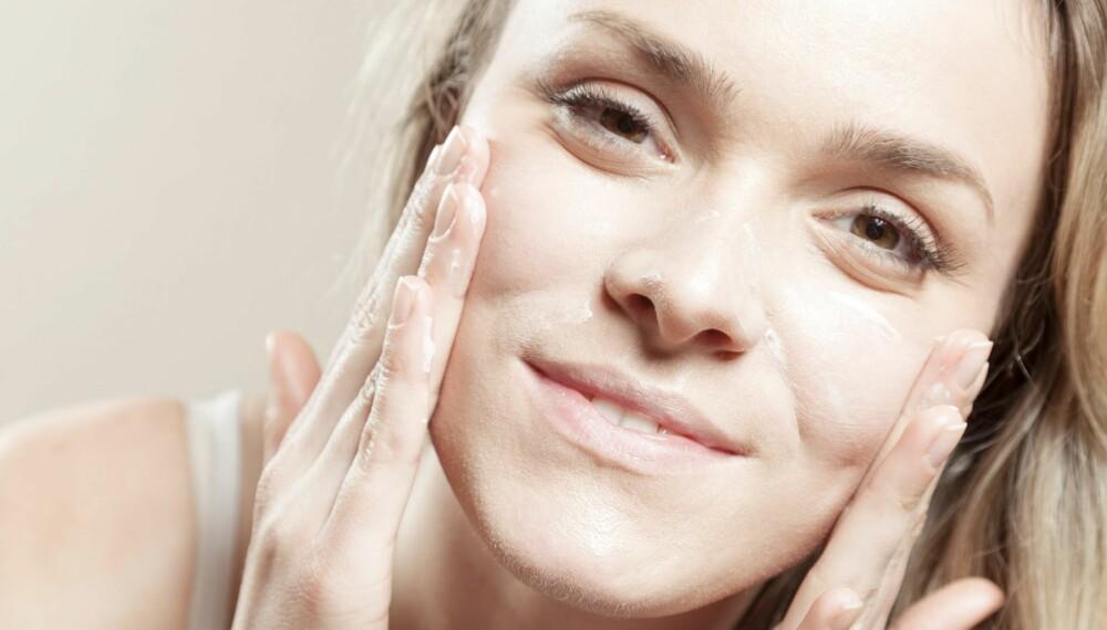 RENSE HUDEN: Dropper du daglig rens, vil du få en gusten hud med tilstopninger og kviser.