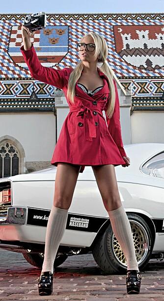 MISS TUNING: Mandy Lange (23) pryder neste års Miss Tuning-kalenderen 2012.
