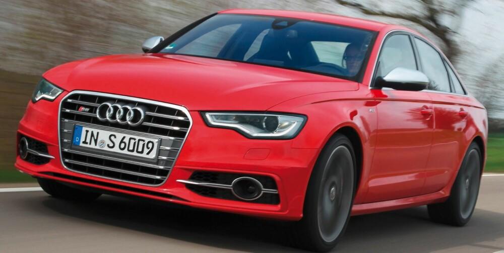 S-ENE: Audi S6 glir pent inn i Audis rekke av familiebiler på steroider - litt under RS-familien. Foto: Audi