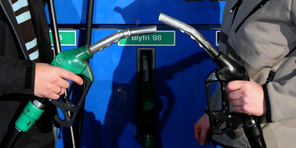 FORBRUK: Med bensinbil må du normalt litt oftere innom bensinstasjonen. FOTO: Egil Nordlien, HM Foto