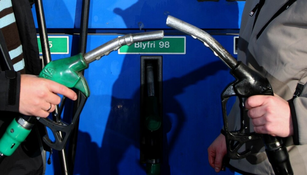 DUELL: Bensin eller diesel - that's the question. FOTO: Egil Nordlien, HM Foto