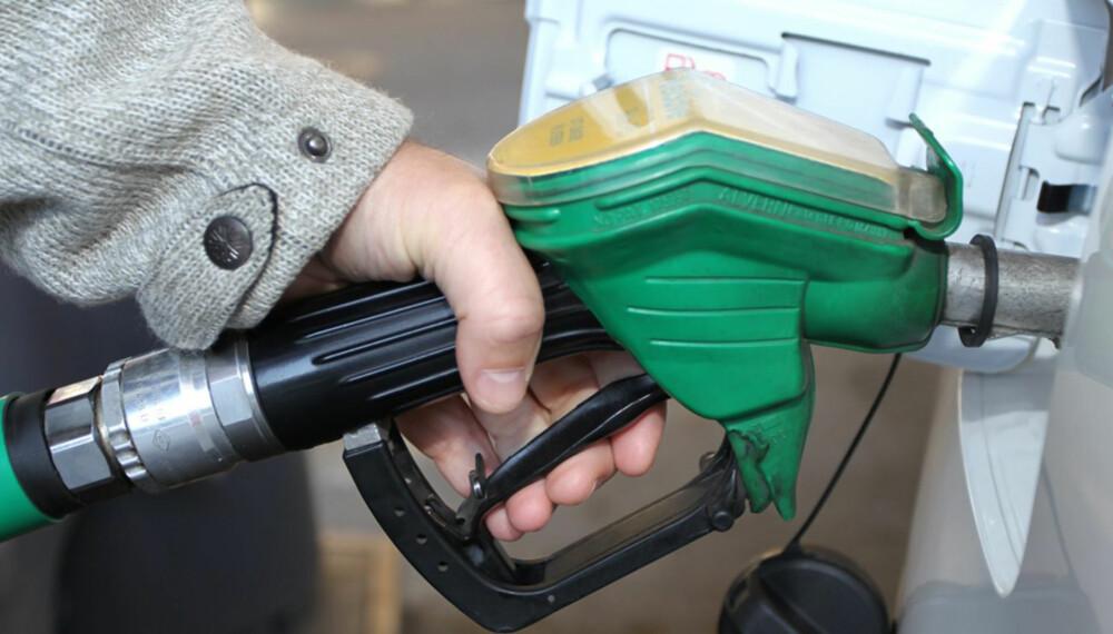 SJELDNERE: Dersom anslagene fra Bosch er riktige, kan du kjøre 10 prosent lengre mellom hver drivstoffylling med det nye rullemodussystemet. FOTO: Petter Handeland