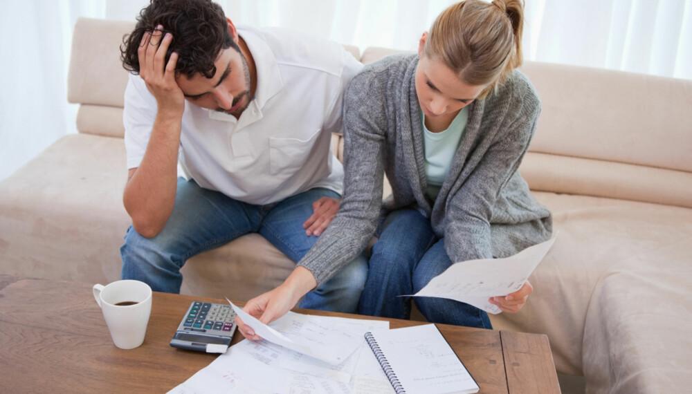 VERSTINGENE: Hvilke regninger du bør prioritere først, avhenger litt av situasjonen din, men det er særlig noen utsettelser du bør tenke gjennom konsekvensene av.