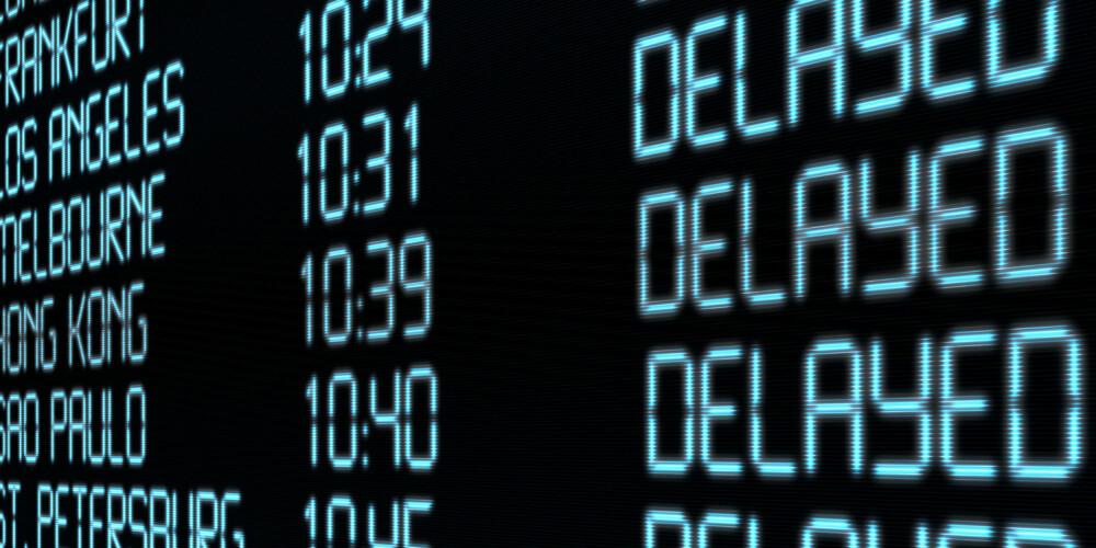 NÅR FLYET ER FORSINKET: Kommer du fram til reisemålet mer enn tre timer etter planlagt ankomsttidspunkt, har EU-domstolen slått fast at du på lik linje som ved innstilte avganger har krav på en forhåndsfastsatt erstatning.