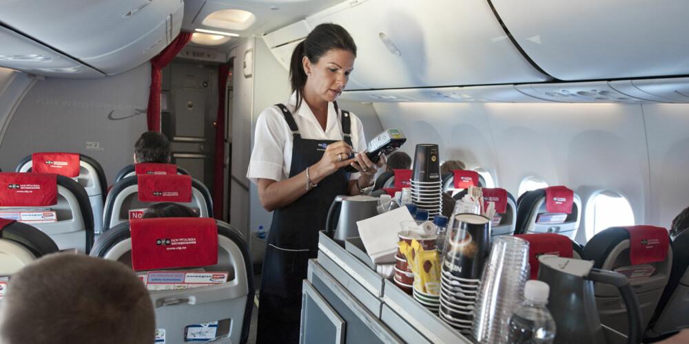 ALLTID SERVICE-INNSTILT: Flyverter kan ha en utfordrende jobb i de tilfellene passasjen slår seg vrang. FOTO: Norwegian