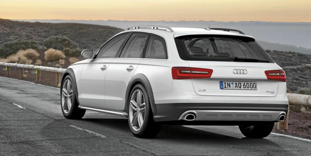 KONTRAST: Lakk i andre farger på skjermer og støtfangere er typisk for Audi A6 Allroad. FOTO: Audi