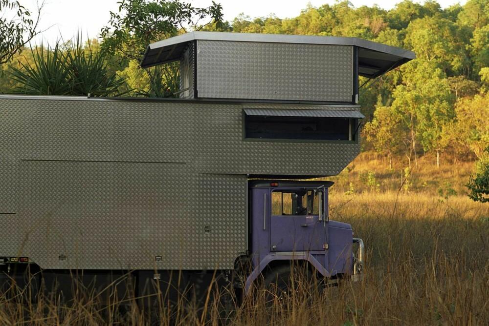 POP-OPP SOVEROM: Et pop-opp soverom ble bygget over førerhuset. FOTO: Rob Gray