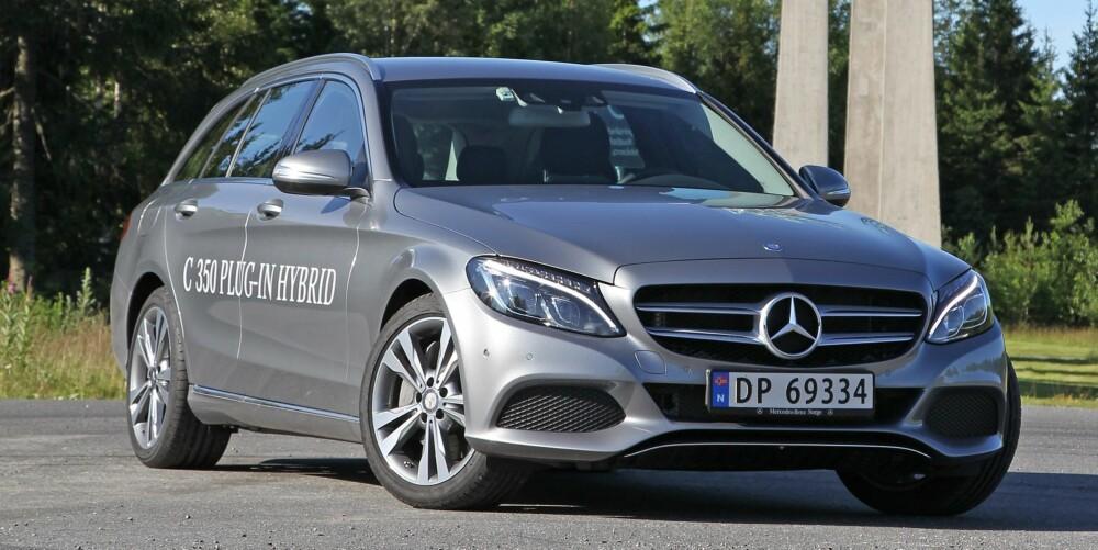 ELEGANT: Mercedes har truffet godt med designet av nye C-klasse, som er mer elegant og samtidig mer sporty i framtoningen enn forrige generasjon.