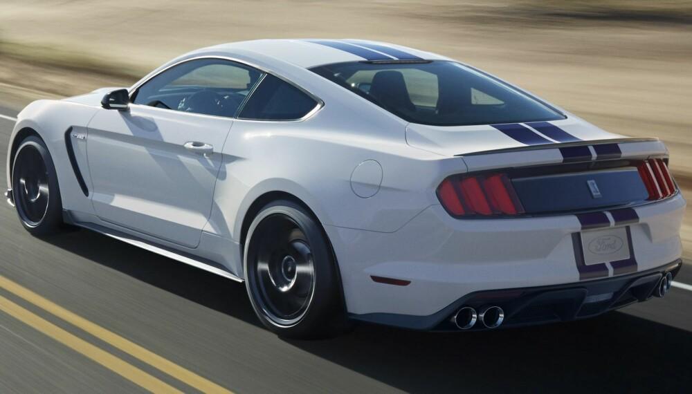 IKON: Ford Mustang Shelby 350GT kommer med den sterkeste selvpustende V8-eren som Ford noensinne har bygget. At den er selvpustende innebærer at motoren ikke får hjelp av turbo eller kompressor. FOTO: Ford
