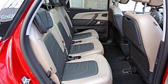 PLASS: I Citroën C4 Picasso bør du få plass til tre barneseter i bredden. FOTO: Petter Handeland