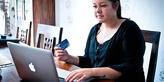 BILLIGERE REISE: Ved å benytte fordelskort fikk Silje Marie Aas Grønn (20) lett et billigere opphold på reisen.