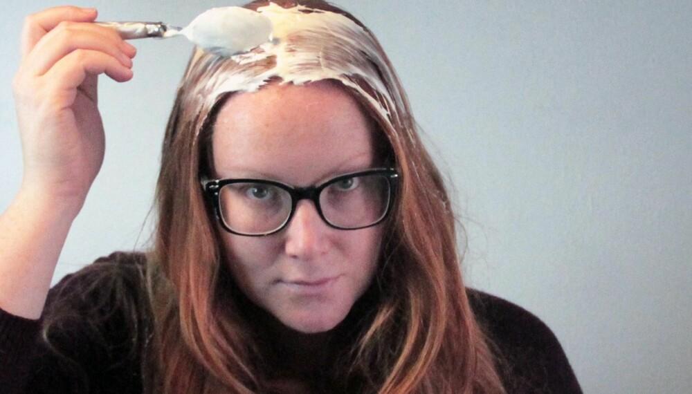 RØMME I HÅRET: Vi testet en av de mest populære oppskriftene fra nettet, nemlig rømme mot vintertørt hår. Om det funket? Svaret får du nedenfor.