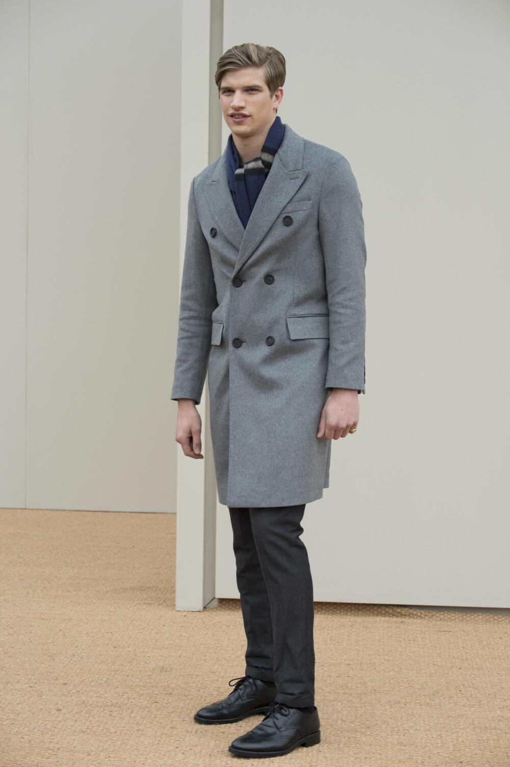 KLASSIKER: - Enhver herremann bør ha en pen frakk, sier stylist og imagekonsulent Marianne MacCulloch Schaathun.