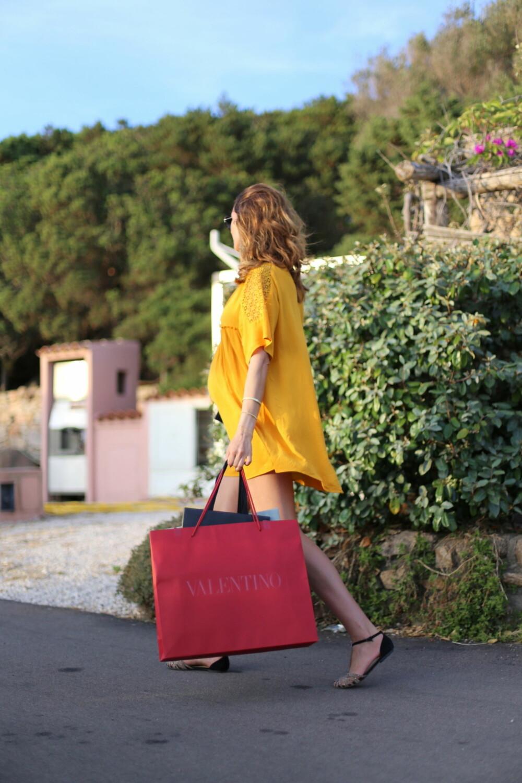 STORBYFERIE: Komfortable klær og flate sko er perfekt på storbyferie!