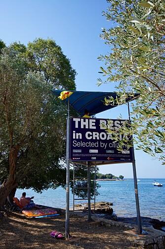 BADING: Kroatia er kyst, blått hav, bading og badevakter.