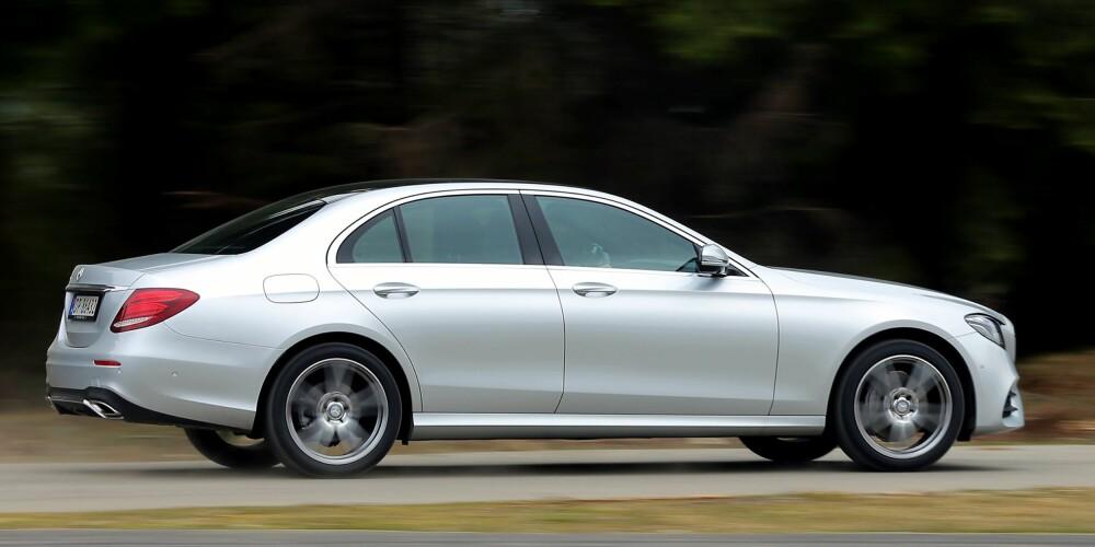 MER SPORTSLIG: Det er ingen tvil om at Mercedes har ønsket å «sporte opp» E-klasse. Styringen er mer direkte enn noen gang i en E-klasse, og i elgtesten vår er den både presis og stabil.