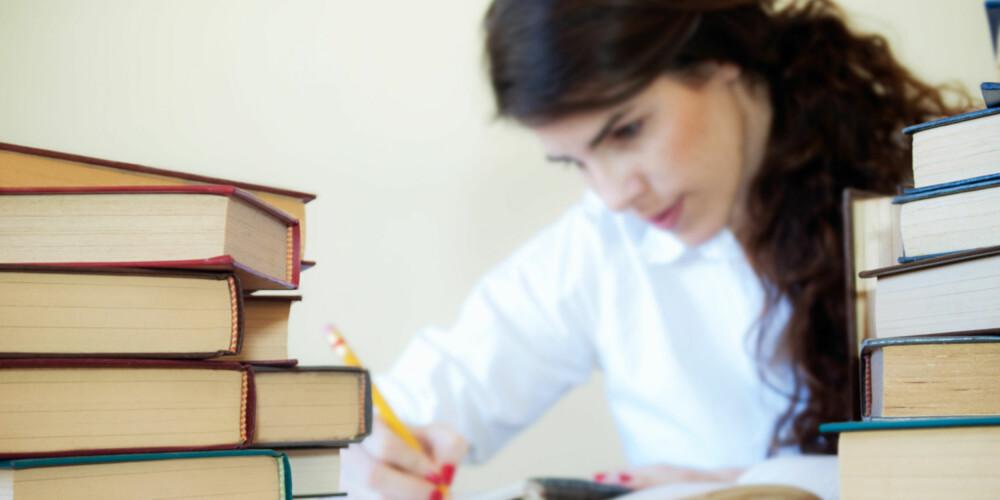NY UTDANNING: Noen ganger må du studere på nytt om du velger et annet yrke. ILLUSTRASJONSFOTO: Colourbox