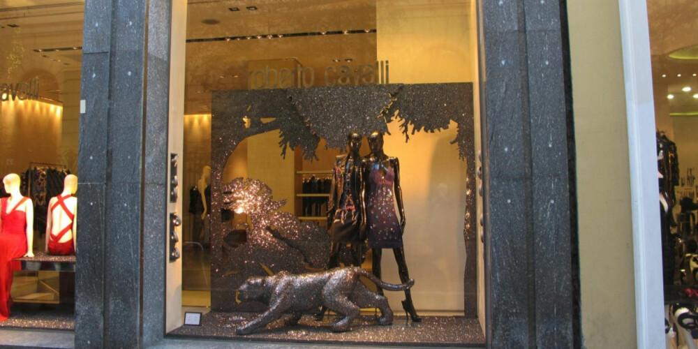 MONEY, MONEY, MONEY: Milano er ikke kjent for billigshopping, her er det italiensk design som gjelder, som her, i luksusgaten Via delle Spiga.