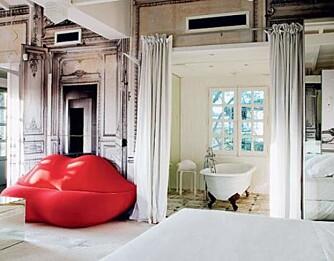 PARIS: Alle moteløver vil elske å bo på dette rommet, hvor dekoren er signert Maison MArtin Margiela.