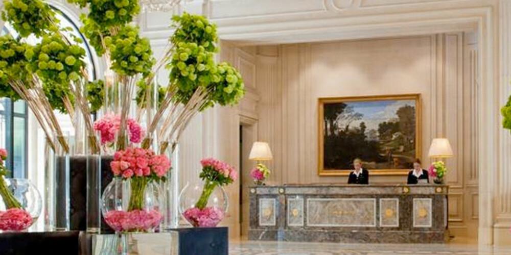 BLOMSTERHAV: På dette Paris-hotellet har de et enormt blomster-budsjett.