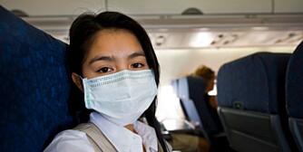 Hun tror hun er trygg for skumle bakterier og lumske virus.