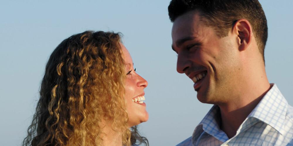 GARANTERT SINGLE: De som ganske garantert er single, finner du på nettet eller på singelreiser. Om du ikke møter den store kjærligheten på turen, kan du utvide vennskapskretsen og på den måten øke sjansen for å finne en partner.