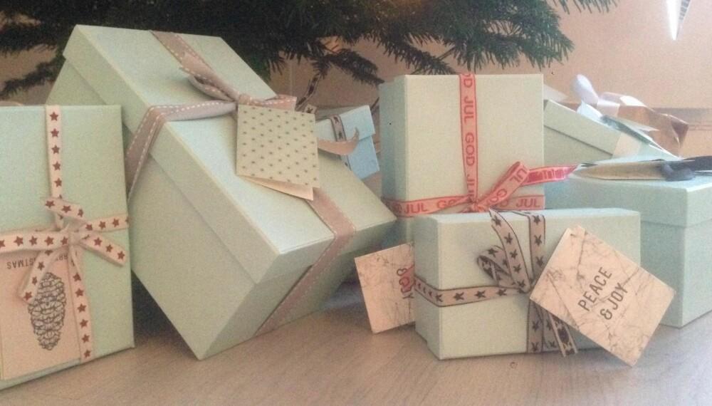 BYTTERETT: Det finnes ingen bytterett på julegaver, kun butikkenes velvilje. FOTO: Hilde Aasnæs