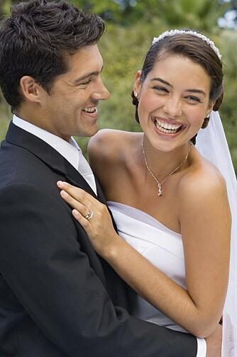 DEN GANG DA: Man gifter seg som regel bare én gang, men det er stas å kunne markere ekteskapet årlig på en eller annen måte.