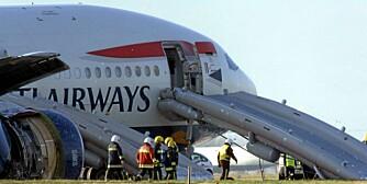 Passasjerene måtte evakuere via sklie når dette flyet havnet utenfor rullebanen i 2008.