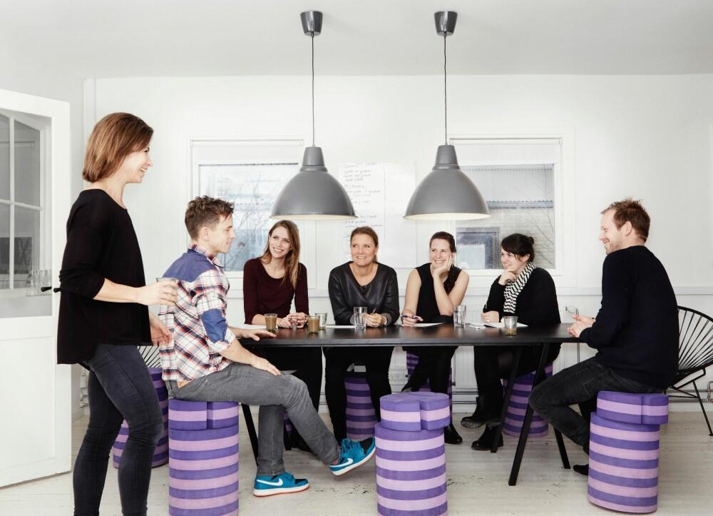 FLERE ANSATTE: Søstrene anbefaler på det sterkeste å ha noen flere ansatte i familiebedriften. På den måten blir det enklere å holde bedriften helt profesjonell. FOTO: bObles