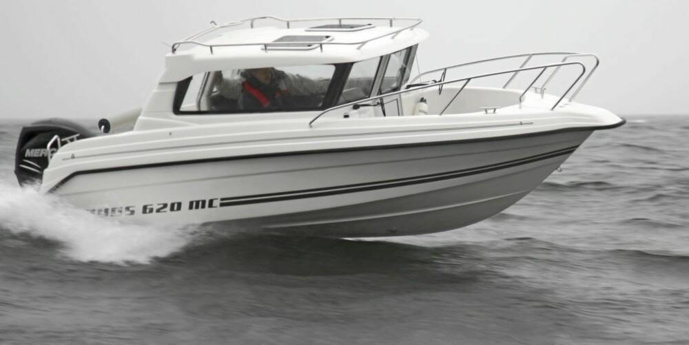 Ryds 620 MC er en typisk moderne representant for helårsbåtene.