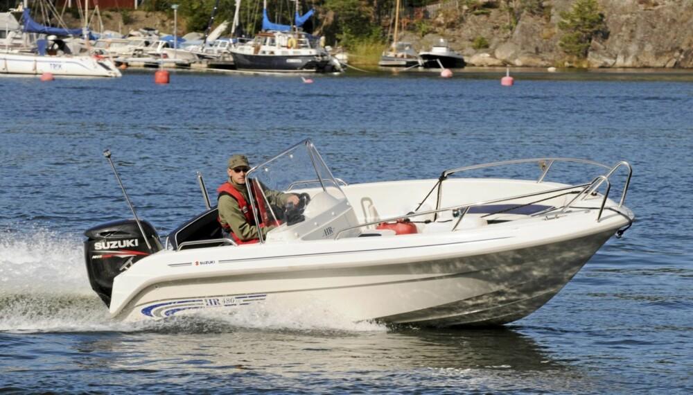 KJØR RIKTIG: Det er viktig for både lommeboka og båtgleden at båten kjøres optimalt.