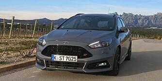PRØVEKJØRT: Ford Focus ST prøvekjørt i Spania. FOTO: Martin Jansen