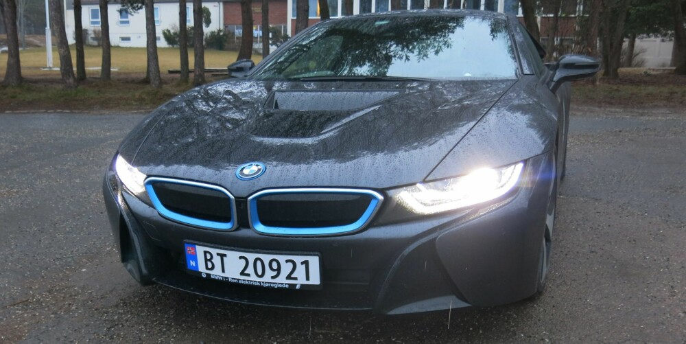 LASER: Den første BMW i8 med laserlys er levert til en kunde i Norge. (Ikke bilen på bildet). FOTO: Vi Menn Bil TopGear