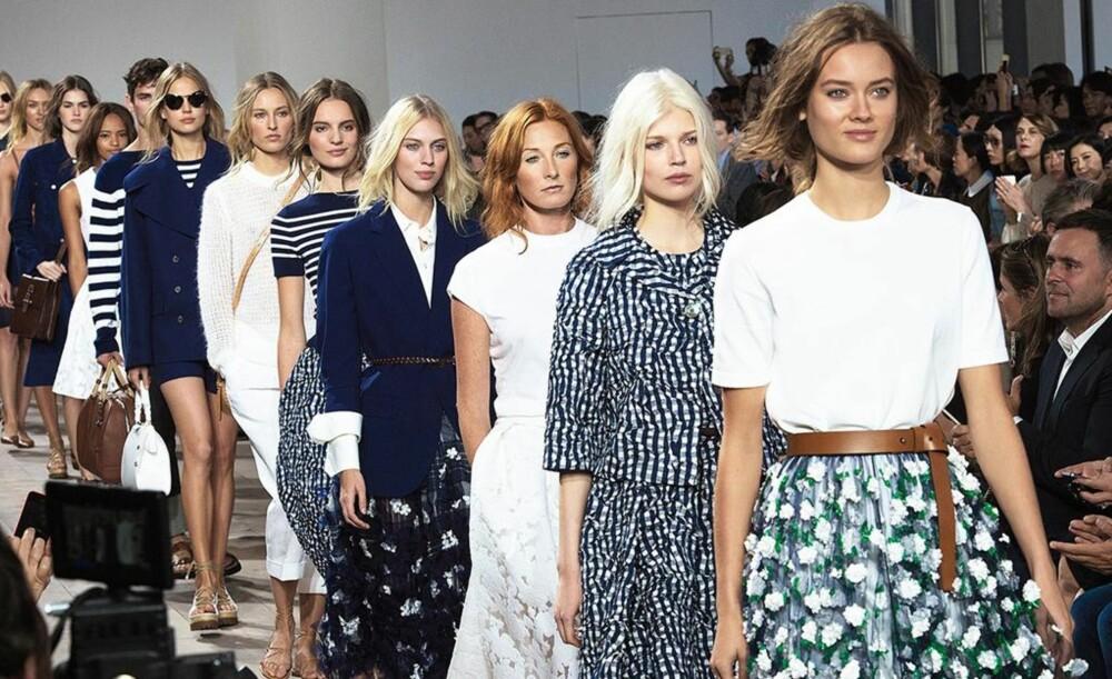 PÅ CATWALKEN: Da designer Michael Kors viste frem sin vår/sommer kolleksjon for 2015, hadde samtlige modeller hår som var stylet som om det ikke var stylet i det hele tatt. FOTO: Stella Pictures