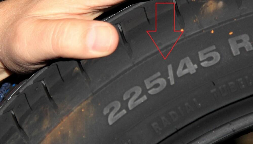 SOMMERDEKK: Vet du hva nummerserien på siden av bildekkene betyr? Den forteller hvilket dekk bil din skal ha. FOTO: Egil Nordlien