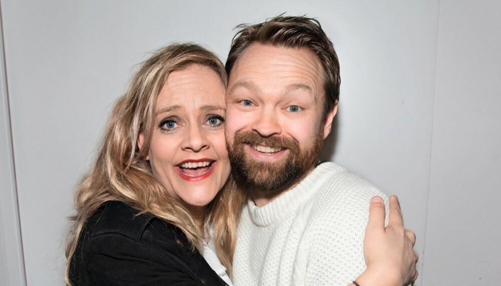 KAN VINNE: Henriette Steenstrup og John Brungot er nominert til Gullruten – for fjorårets «Gullruten»-sending.
