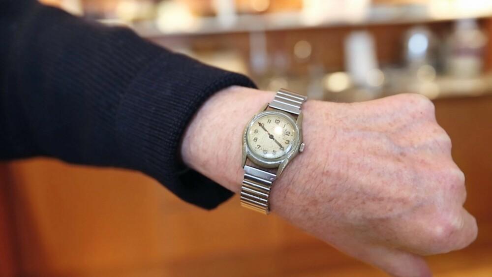 KJÆRT MINNE: Denne klokken fikk Thorvald av sin far fredssommeren  1945.