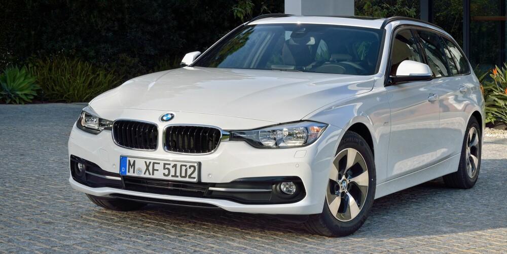 KRAFTPLUGG: Hybrid-drivlinjen gjør at 330e blir relativt gunstig når man tar med effekten i beregningen. Foto: BMW