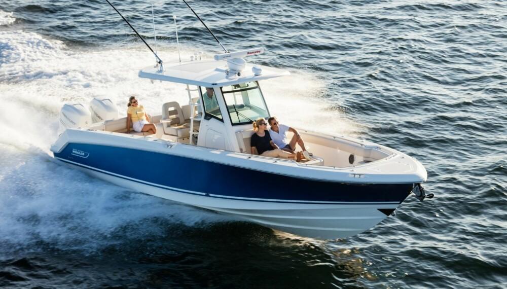 KOSTER: Bosten Whaler lager stas-båter, men det koster. Du må ut med cirka tre millioner kroner for nye 330 Outrage.