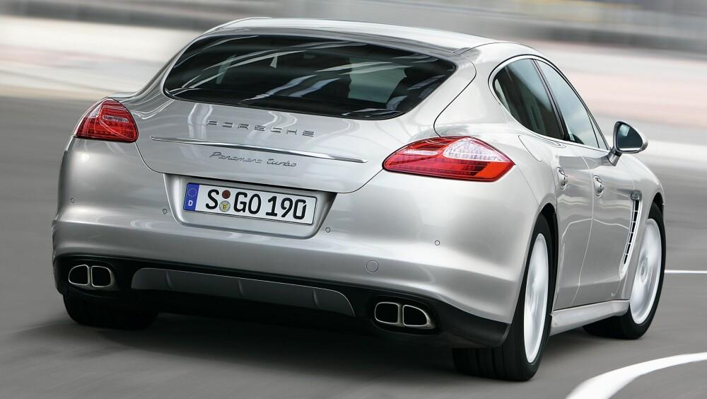 PANAMERA: Nye versjoner øverste, gammel nederst. FOTO: Porsche