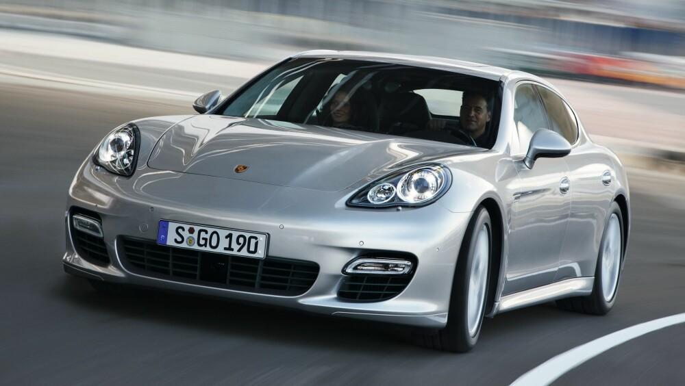 PANAMERA: Ny versjon øverste, gammel nederst. FOTO: Porsche