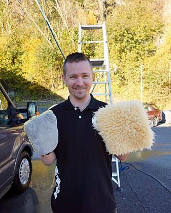 ULL: Ullklut eller vaskevott i mikrofiber er mye bedre å bruke enn en vanlig svamp.