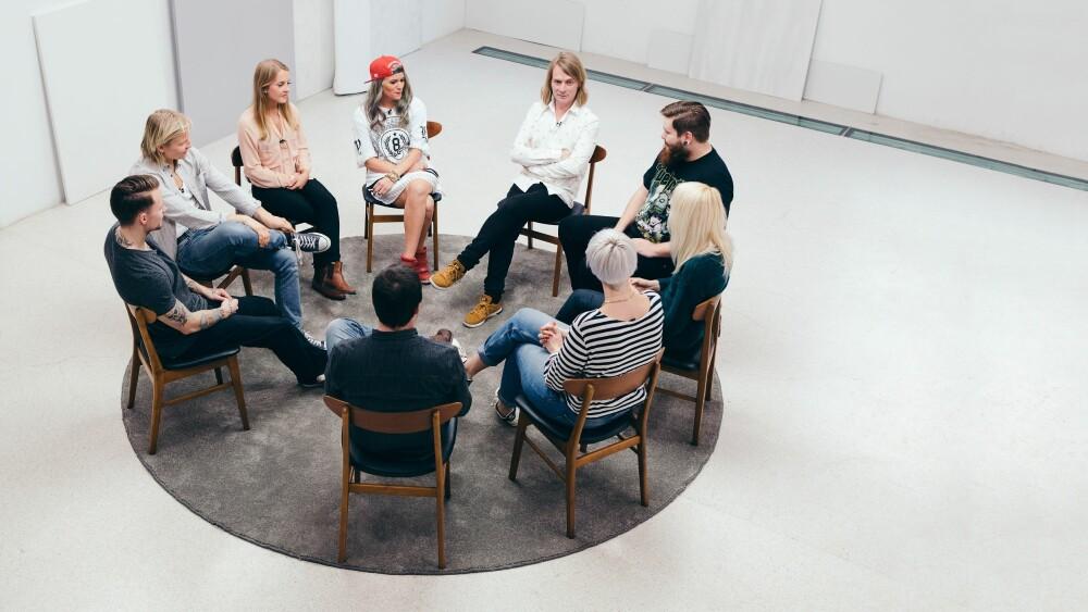 SAMTALE: I serien Jeg mot meg møtes åtte unge mennesker og deler sine psykiske problemer gjennom samtaleterapi og videodagbøker. FOTO: Andris Søndrol Visdal/Anti