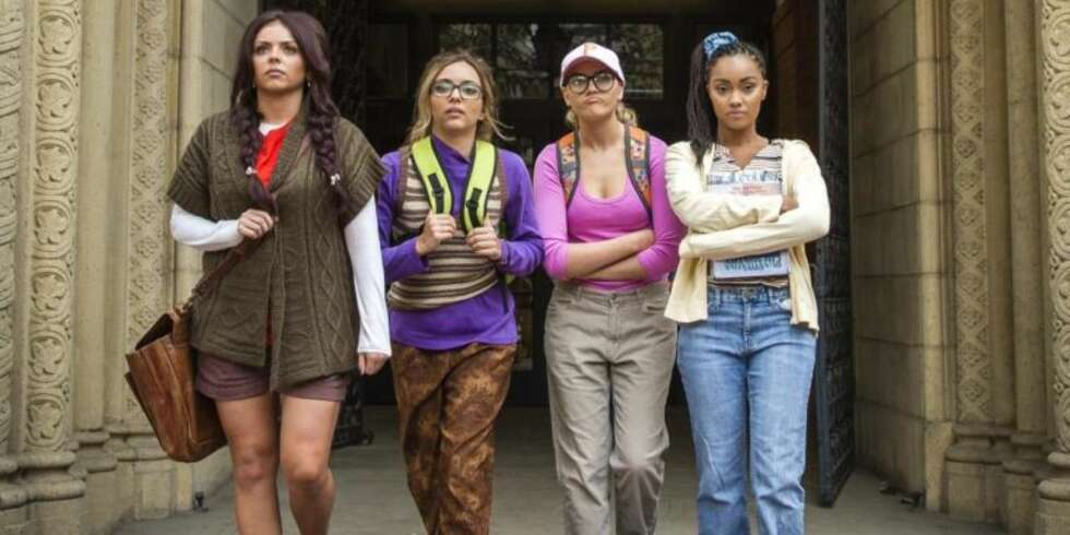 "Little Mix i musikkvideoen ""Black Magic"""