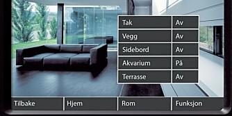KONTROLLTÅRNET: På en liten skjerm styrer du husets funksjoner.