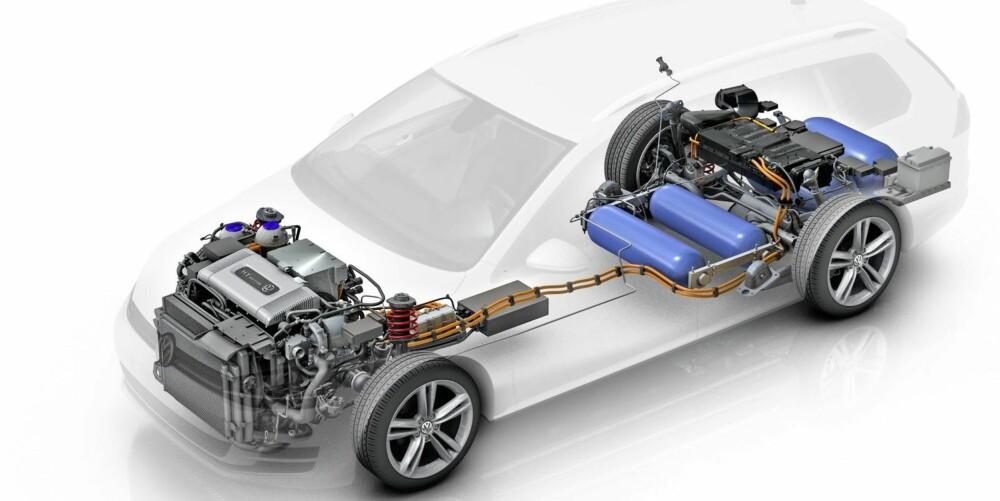 BLIR TUNGE: Brenselcelleteknologien er avansert og gjør bilene tunge. Slik ser Golf Hymotion ut under skallet.